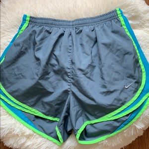 nike gray and neon green running shorts !! ⭐️